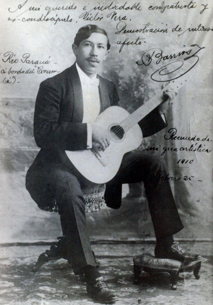 photo of Paraguayan classical guitar Agustín Barrios Mongoré